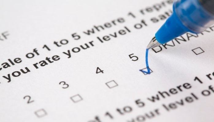 ¿Cómo hacer una encuesta telefónica de servicio para clientes?